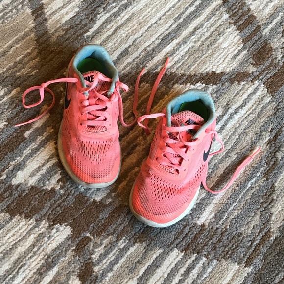 Desempacando Política musicas  Nike Shoes | Sale Back To School Girls | Poshmark
